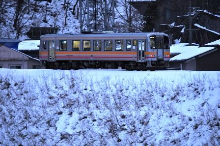 ローカル列車1.jpg